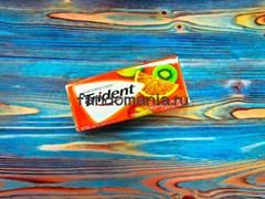 Жевательная резинка Trident Tropical Twist